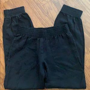 Sisley Black Elastic Cuff Cropped Pants